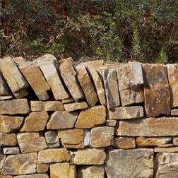 jardins de pierres remise en tat et am nagements de murs de pierres s ches de rocailles etc. Black Bedroom Furniture Sets. Home Design Ideas
